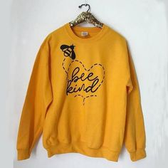 Bee Kind Sweatshirt EL3D